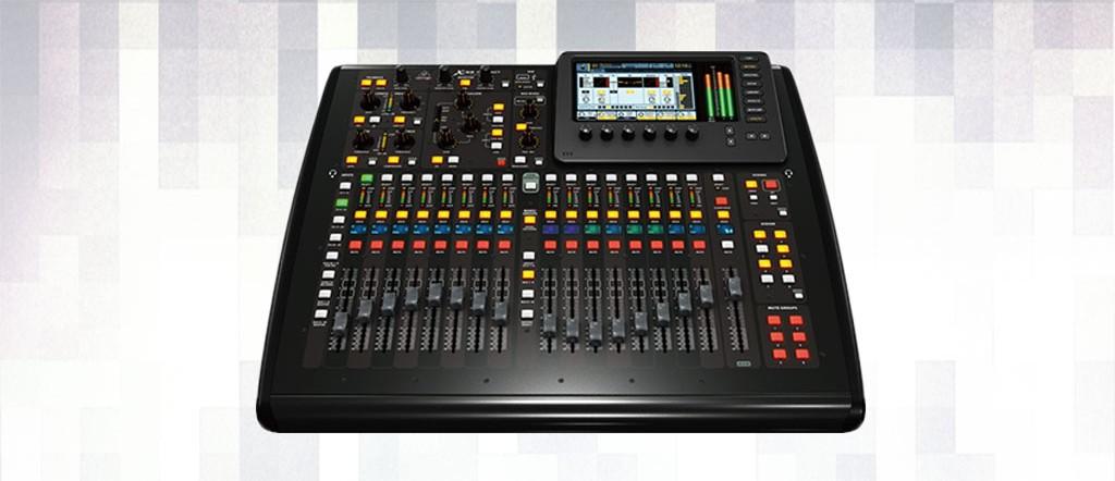 Alquiler de mesa de sonido Behringer x32 Compact