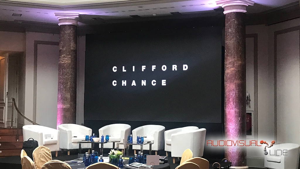 Montaje de pantalla LED para evento de Clifford Chance