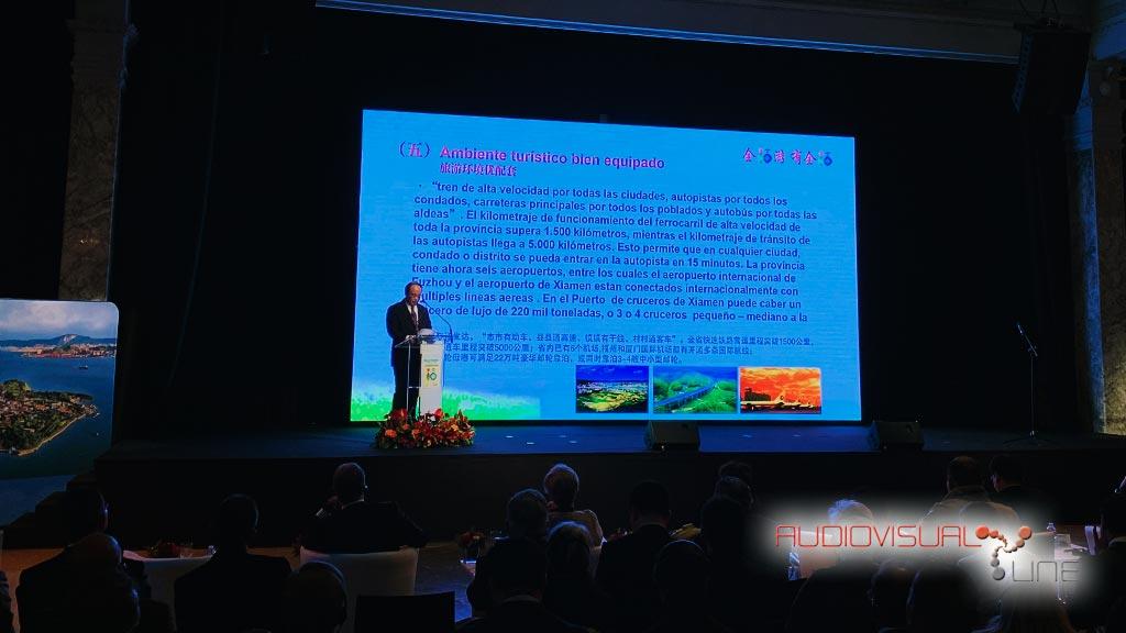 Montaje de pantalla de LED para Federation da Voyage
